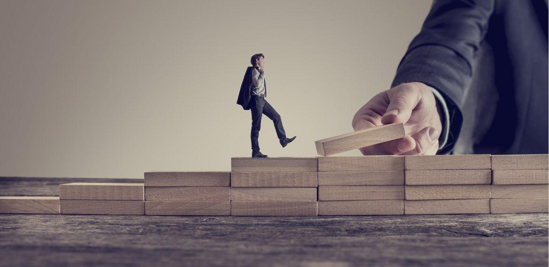 how to structure leadership development, leadership development